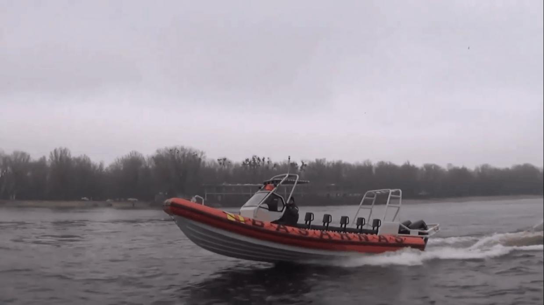 Катер RIB UMS 900 на випробуваннях Стопкадр з відео