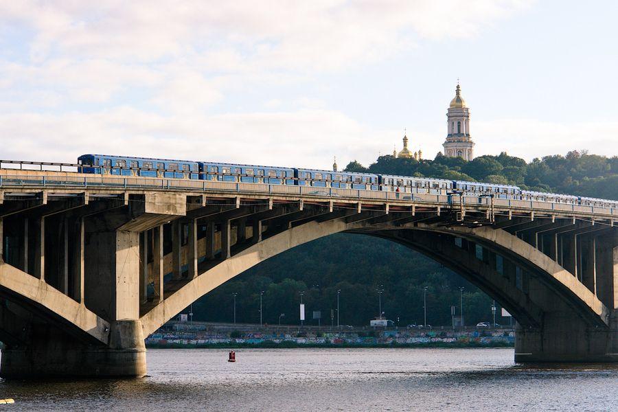 У столиці капітально відремонтують міст Метро