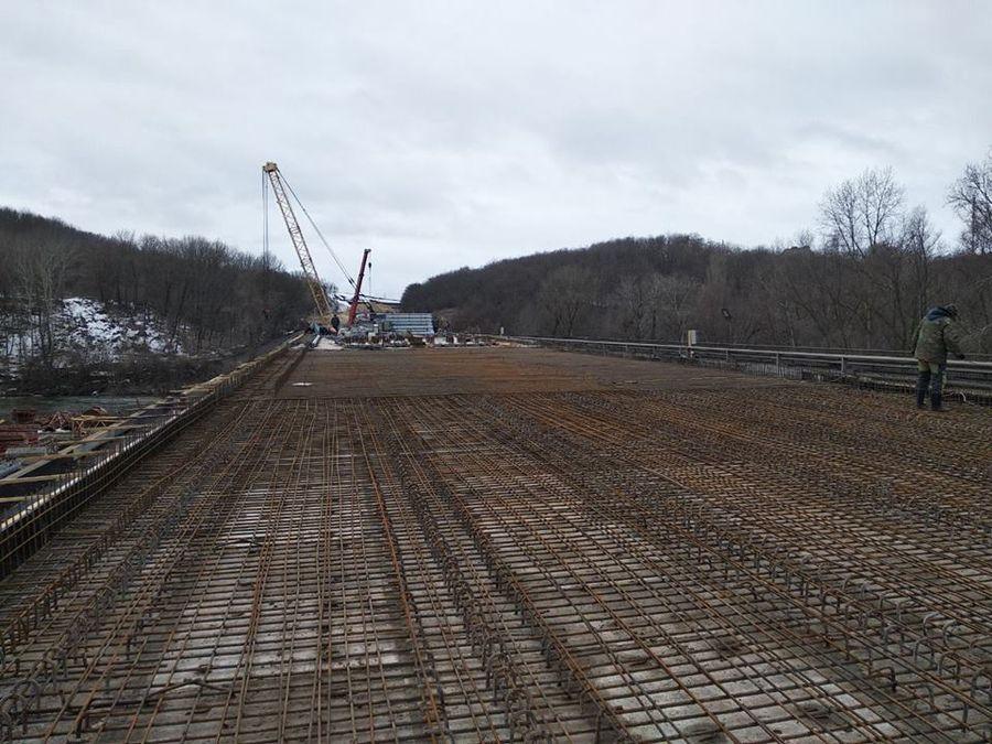 Триває будівництво мосту через річку Псел на автодорозі М-03 Київ — Харків (фото)