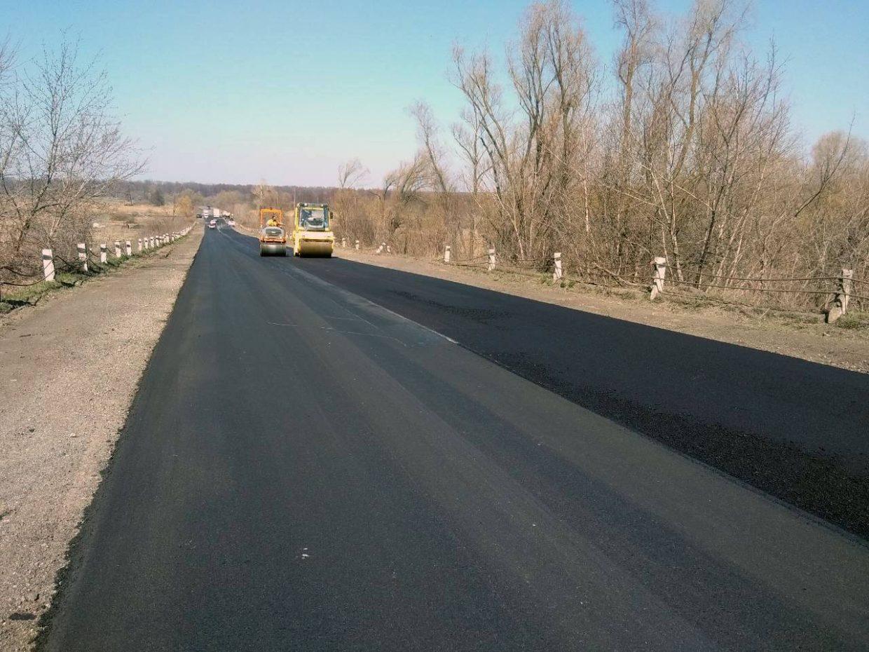 Продовжується ремонт обходу міста Золотоноша на автодорозі Н-08 (фото)